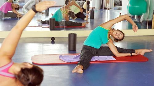 Faszienrolle: Muskelverspannungen lösen durch Selbstmassage