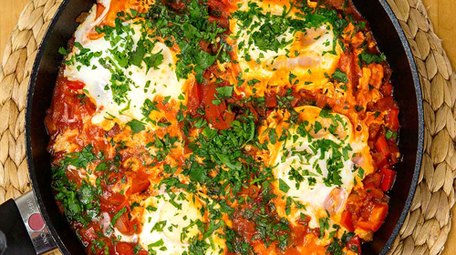 Shakshuka - Pochiertes Ei in Tomatensauce